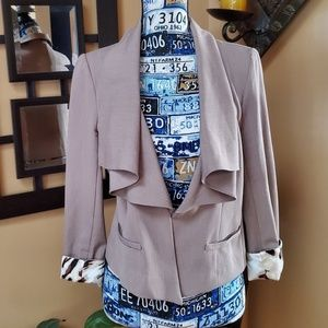 RAMPAGE FITTED TAN RUFFLED LAPELS BLAZER!!